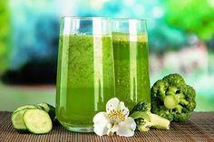 Rezept für einen gesunden Grünen Smoothie mit Brokkol - zum Abnehmen, Entsäuern und Entgiften