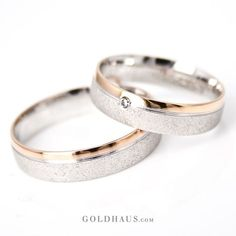 Trauringe - You are in the right place about beautiful wedding rings bling Here we offer you Celtic Wedding Rings, Wedding Rings Simple, Beautiful Wedding Rings, Wedding Rings Vintage, Gold Wedding Rings, Vintage Rings, Wedding Jewelry, Wedding Bands, Gown Wedding