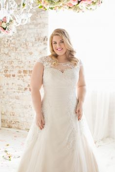 fcdc1a402ac Check out this story by My Dream Bridal on how to dress your shape for plus  size wedding dresses Glamour Plus.  rozlakelin  glmaourplus   ...