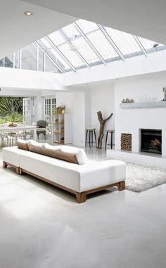 Que nuestra casa tenga mucha luz natural es un deseo compartido por todos nosotros, principalmente en una zona de reunión como es el salón ...