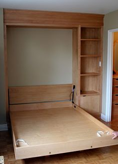 DIY Murphy bed. This would have been awesome when we were still in the…