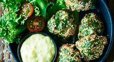 Bagte torskehapsere Palak Paneer, Sprouts, Potato Salad, Fish, Vegetables, Ethnic Recipes, Drinks, Drinking, Veggie Food