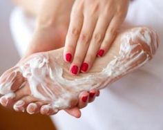 New skin hacks acne skincare 38 ideas Dry Feet Remedies, Eye Stye Remedies, Skin Tips, Skin Care Tips, Dry Skin On Feet, Imagenes Mary Kay, Avocado Mask, Best Hair Mask, Cracked Feet