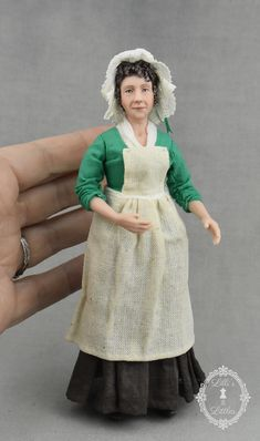 Victorian era cook in 1:12 scale. Porcelain dollhouse doll. Dollhouse Dolls, Victorian Era, Porcelain, Miniatures, Gallery, Vintage, Scale, Cook, Fashion