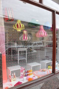 by Vidamí vidrieras Pet Shop, Shops, Packaging, Retail, Display, Mirror, Crafts, Handmade, Ideas