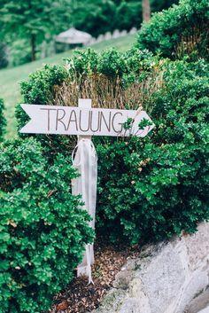 Hier geht's zur Trauung! :) Foto © Bliss & Delight Wedding Photography