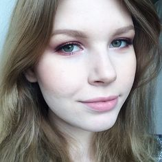 """Full face  The #SEbutterflylash looks so natural!! #socialeyeslash #socialeyes"""