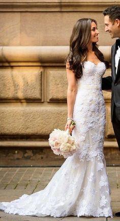 Classic Mira Zwillinger  wedding dress idea; photo: Brian Dorsey Studios