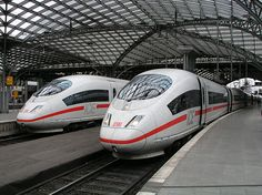 I took a few days trip to Cologne last week by taking the Eurostar from St. Pancras International Station to Cologne via Brussels midi. Locomotive, Db Deutsche Bahn, Fotografia Retro, Diesel, Db Ag, High Speed Rail, Railroad History, S Bahn, Cologne Germany