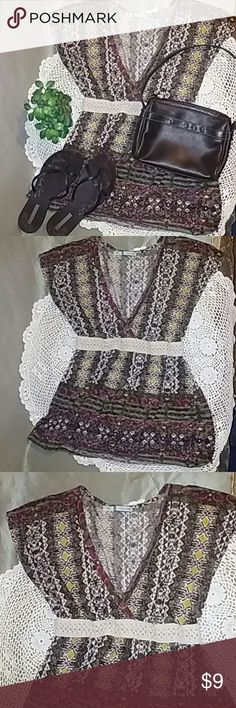 🌷New🌷Maurices print sleeveless blouse. Blouse is in excellent condition, very soft and Light. 50% cotton and 50% polyester. Maurices Tops Blouses
