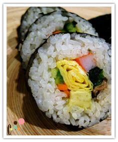 Large Sushi Roll (Futo-Maki or Eho-Maki)
