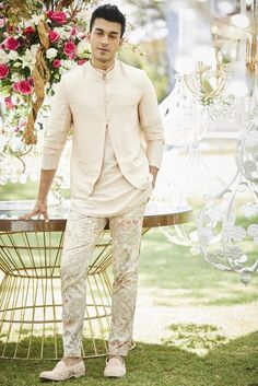 Buy Floral print pants with kurta & bundi by Varun Bahl - Men at Aza Fashions Wedding Dresses Men Indian, Wedding Dress Men, Indian Wedding Planning, Wedding Men, Wedding Suits, Wedding Attire, Indian Groom Wear, Indian Wear, Indian Men Fashion