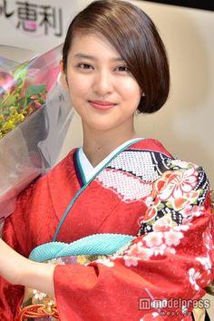 (画像4/7) 武井咲、艶やか着物でうなじをチラリ 大人の魅力が開花
