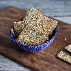 Voici une recette facile à réaliser qui vous évitera d'acheter des craquelins à l'épicerie qui contiennent généralement beaucoup de sel et de sucre....