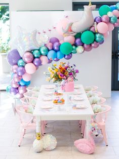 12 Fun Birthday Party Ideas And Decorations Rainbow Birthday Party, 13th Birthday, Unicorn Birthday Parties, Unicorn Party, Birthday Celebration, Birthday Ideas, Pastell Party, Rainbow Centerpiece, 50th Birthday Decorations