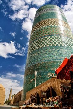 Kalta Minor Minaret in Khiva, Uzbekistan - pretty darned cool! Islamic Architecture, Amazing Architecture, Art And Architecture, Beautiful Mosques, Beautiful Buildings, Beautiful Places, Silk Road, Place Of Worship, Central Asia