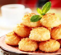 Kokosky s marmeládou Coconut Recipes, Baking Recipes, Cookie Recipes, Snack Recipes, Breakfast Dessert, Dessert Bars, Köstliche Desserts, Healthy Desserts, Coco Cookies