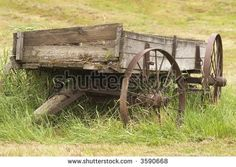 Picture of Old wooden farm wagon in the Palouse Region of Washington Wagons For Sale, Horse Drawn Wagon, Wooden Wagon, Old Wagons, Covered Wagon, Old Farm Equipment, Old Tractors, Wheelbarrow, Old Antiques