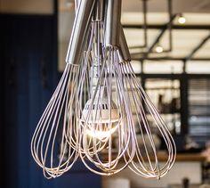 Get standard bulbs and hang non flammable things around them! Restaurants, Courtyard Ideas, Cool Lighting, Bulbs, Cool Stuff, Architecture, Design, Lightbulbs, Arquitetura