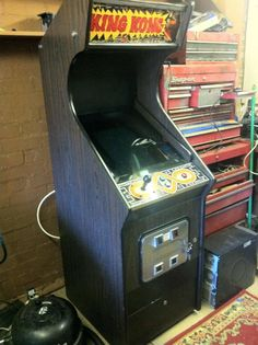 Generic Crazy Kong cabinet, 1981 Arcade Game Machines, Arcade Machine, Arcade Games, Pinball, Legend Of Zelda, Game Room, Video Games, Geek Stuff, Fan Art