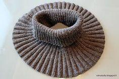 Jo ennen joulua mietin että tarvitsen kunnon kaulurin. Ulkoilu- ja villakangastakin alle ei mahdu kuin ihan ohut huivi ja en oikein tykkää p... Minimalist Outfit Summer, Free Crochet, Knit Crochet, Crochet Scarves, Neck Warmer, Handicraft, Diy Clothes, Mittens, Knitted Hats