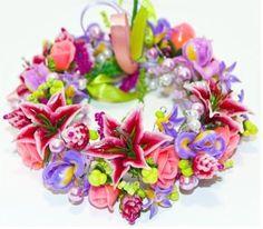 Bracelet with clay with lilies jewelry flowers by JewelryflowersVS