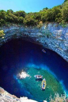 Пещерное озеро Мелиссани, Греция