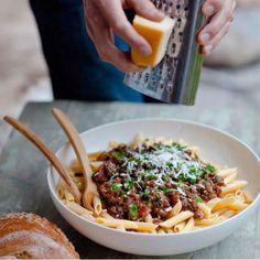 Food Herangtunet: Herangtunet heeft een fraai ingericht restaurant, voorzien van een grote gezellige houtkachel. Marie-Jose tovert de meest zalige gerechten op tafel