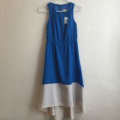 """NWT LOFT Petite High/Low Colorblock Spring Dress Cobalt blue with white high-low hem and keyhole back with button closure. Sized 00P, so maybe it's supposed to be a maxi dress, but I'm 5'7"""" and it works just fine as a midi! Breezy fabric, so it's the perfect warm weather dress! LOFT Dresses High Low"""