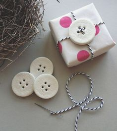 mud buttons {set of 4 clay tags}