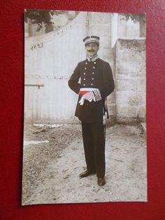 Carte postale Photo d'un Commissaire de police en tenue - année 1921