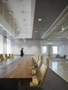 Arcadia's Nios Executive Chair, Corporate Setting - Prescient Offices in Chicago - via Office Snapshots