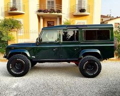 Defender 110, Land Rover Defender, Bobber, Tt Car, Harley Davidson, Porsche, Range Rovers, Flying Car, Custom Wheels