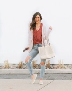 The best distressed denim is on sale today! These are my fav light wash denim.  They are high waisted and have the perfect busted knees.  Paired with a comfy zsupply tee and bearpaw shoes, it's a perfect spring outfit