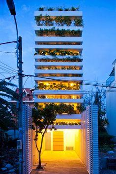 Dosis Arquitectura: Stacking Green fachada verde de Vo Trong Nghia Arquitectos