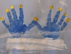 "Hanukkah craft... Hand-print Menorah ("",)"