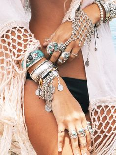 Bohemian fashion #jewelry ☆ Love cool boho websites