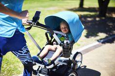 El soporte de smartphone Bugaboo te ayuda a estar siempre conectada incluso cuando vas de paseo con tu bebé. Se acopla a donde tú quieras muy facilmente.
