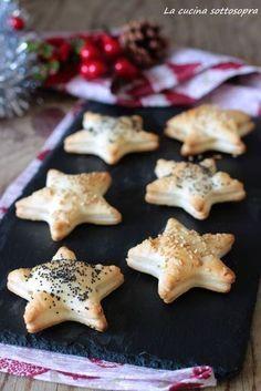 Pretzel with 4 cheeses - Clean Eating Snacks Vegan Recipes 4 Ingredients, Vegan Recipes Easy, Finger Food Appetizers, Finger Foods, Antipasto, Xmas Dinner, Xmas Food, Food Humor, Clean Eating Snacks