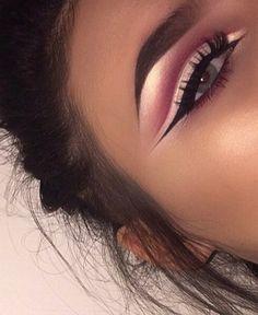 Beautiful pink white eye makeup look #pinkcutcrease
