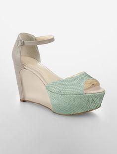 1a2ba7f6e687 Calvin Klein Eavan Faux Fish Scale Platform Sandal Womens
