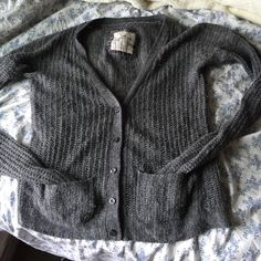 Hollister co. Knit cardigan Great condition, minimal piling, very warm Hollister Sweaters Cardigans