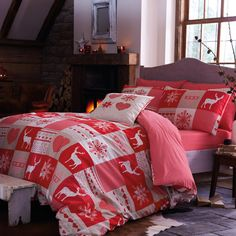 Stylish and contemporary duvet covers available from Dunelm. Our bed linen range includes a variety of colours and patterns, all made with high quality material and in every size, from single to king size duvet covers. Woodland Christmas, Nordic Christmas, Christmas Home, Modern Christmas, Country Christmas, Duvet Sets, Duvet Cover Sets, Contemporary Duvet Covers, Christmas Bedding