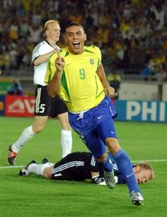 Gol de Ronaldo - Brazil 2 vs 0 Germany - FIFA World Cup Final (Korea & Japan 2002)