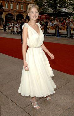 Pin for Later: From Bond Girl to Gone Girl: Rosamund Pike's Red Carpet Evolution Rosamund Pike