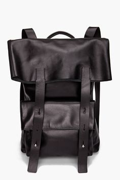 3.1 PHILLIP LIM, LEATHER BACKPACK: i wish the top flap were a little narrower, but even so. #phillip_lim #leather #backpack #carry