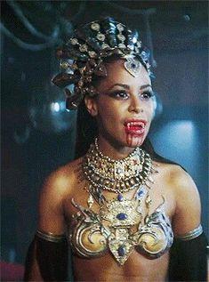 """Nah aah dem was some juicy rhode island red chickens"", says Queen Akasha Vampire Film, Female Vampire, Vampire Queen, Vampire Art, Horror Movie Characters, Horror Films, Twilight Story, Halloween Makeup, Halloween Costumes"