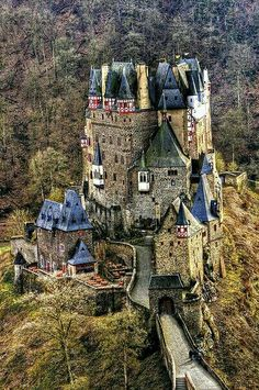 Castle Germany Castles, Chateaus, Cathedrals, 12th Century, Beautiful Buildings, Beautiful Castles, Beautiful Places, Palaces, Vila Medieval