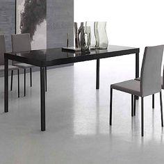 Dark, elegant and minimalist 'York' table. Black, glossy and ultramodern colour. My Italian Living. Modern Dining Table, Dining Tables, Contemporary Furniture, Furniture Design, Minimalist, Chairs, Colour, York, Living Room