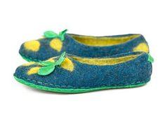 Handmade felted wool slippers for women men от BureBureSlippers Felted Wool Slippers, Wool Felt, Kids, Handmade, Etsy, Shoes, Women, Fashion, Children